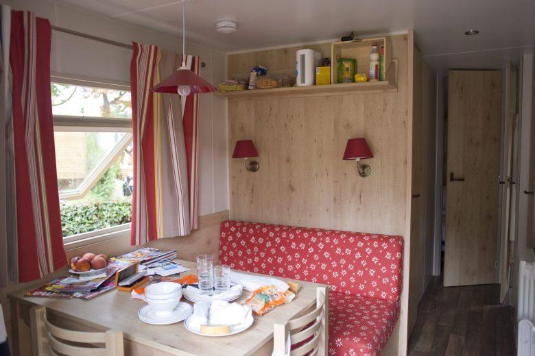 Roulotte au Camping Huttopia de Divonne les Bains