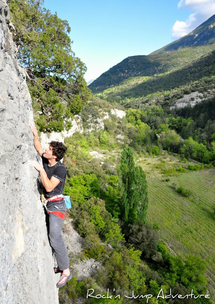 Escalade dans le Jura, près de Saint Claude